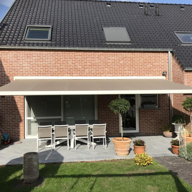 Demaeght zonwering interieur zonneluifel winsol lumisol led verlichting somfy